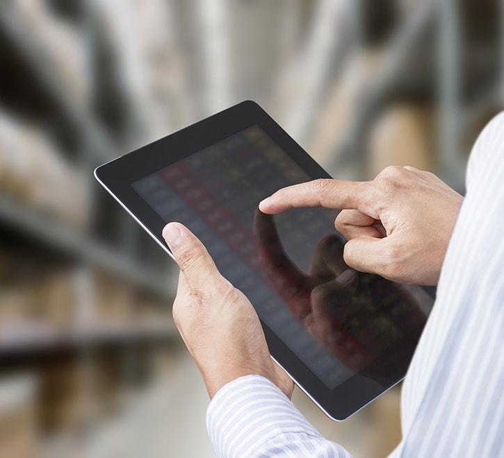 アパレルメーカー及び物流センター 一元在庫・流通管理システム